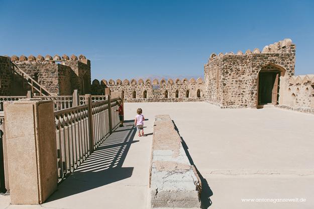 Fort Bahla und Jabreen Castle Oman mit Kindern202