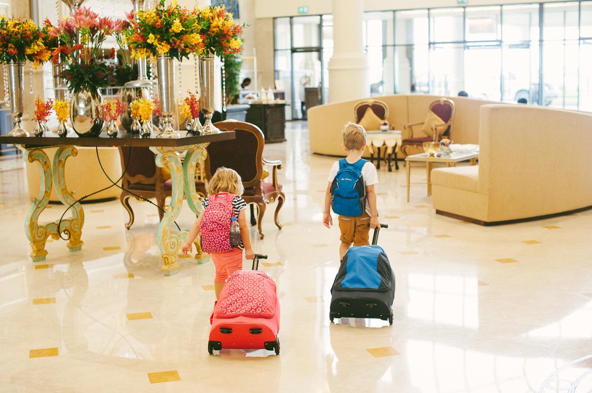 Reisen mit Kindern und einem Vaude Koffer