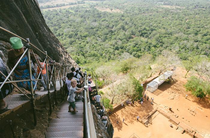 Abstieg Sigiriya Sri Lanka Bild Reiseblog Antonsganzewelt Kinder