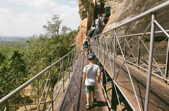 Sigiriya Sri Lanka Bild Reiseblog Antonsganzewelt Kinder2